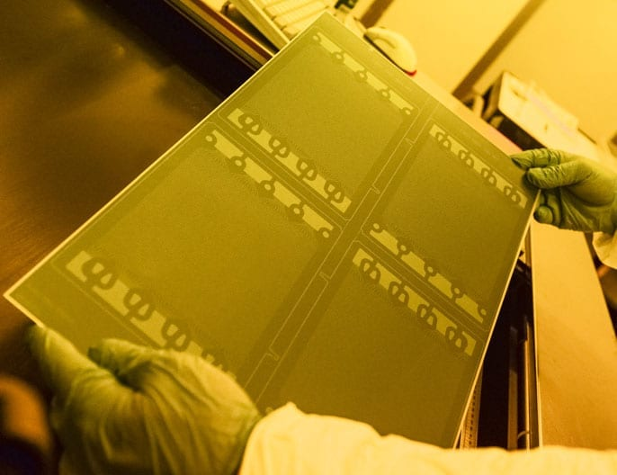 Etched fuel cell plates